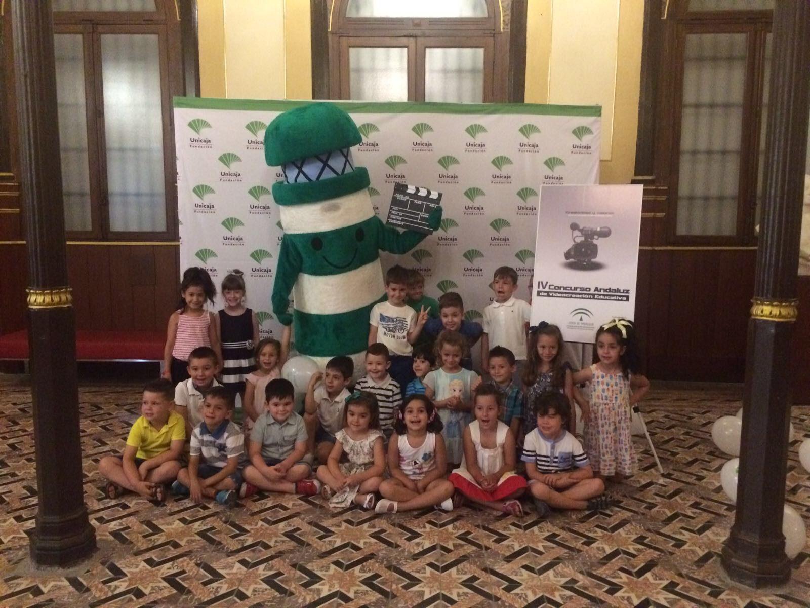Fabricación mascota educación Junta de Andalucía