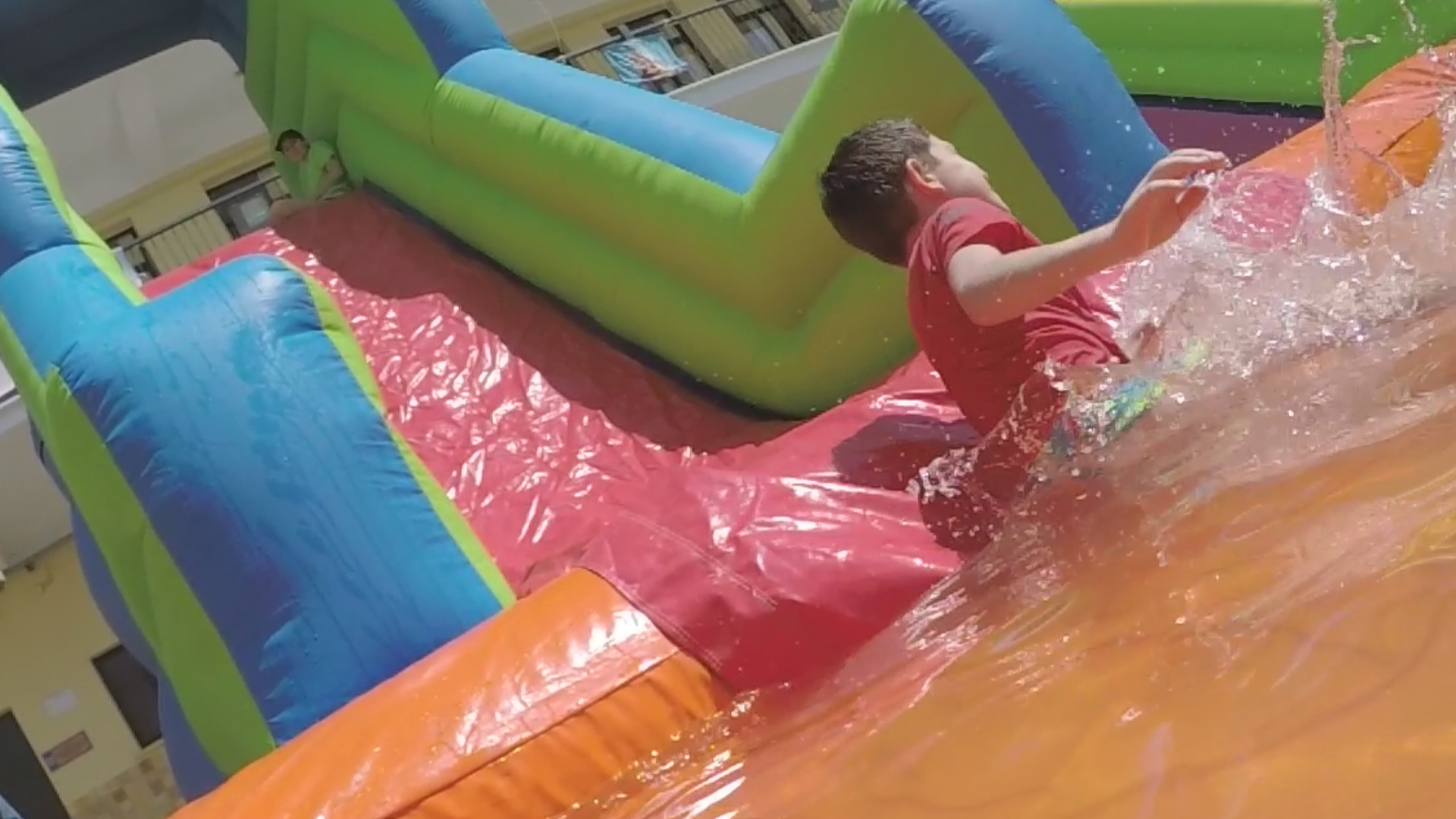 Fiesta acuática escolar